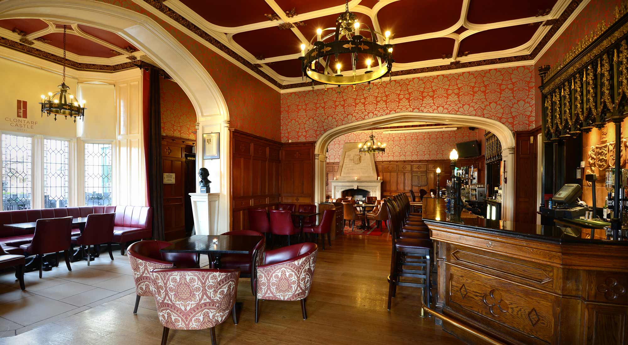 Knights Bar at Clontarf Castle